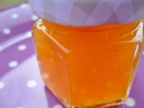 Abrikozenconfituur met vlierbloesem... mmmm