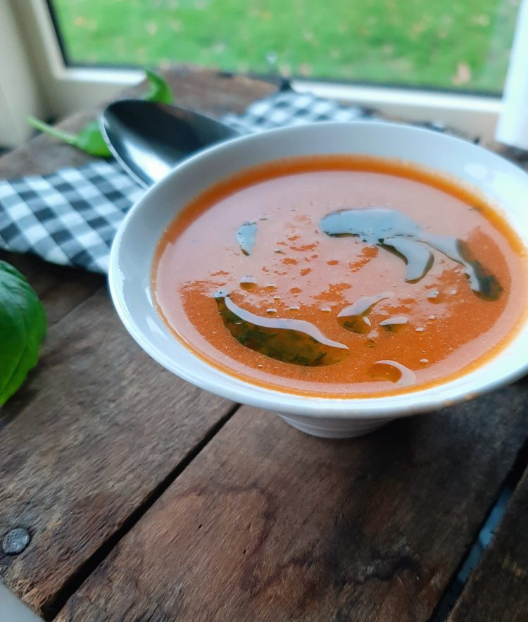 Tomatensoep met halfgedroogde tomaten