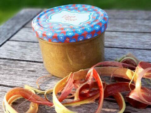 Rabarbermoes met appel, sinaas en gember